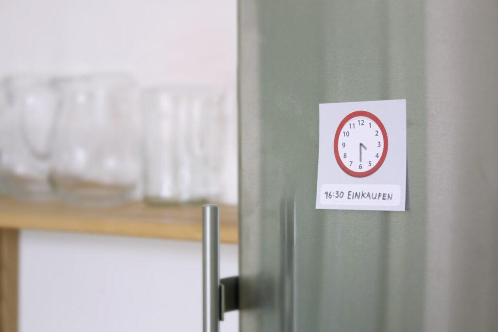 Haftnotiplaner Kühlschrank
